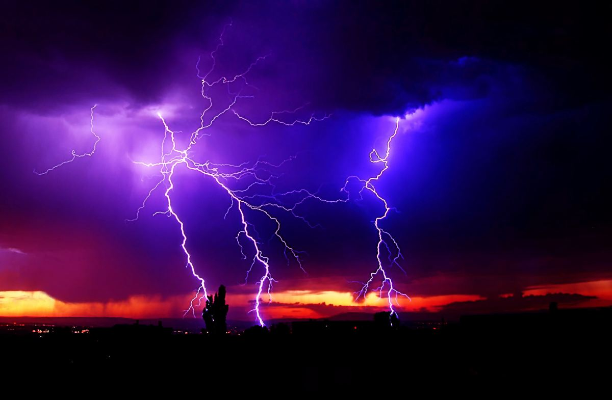 Parties take sides as lightning storms confirm Second Coming